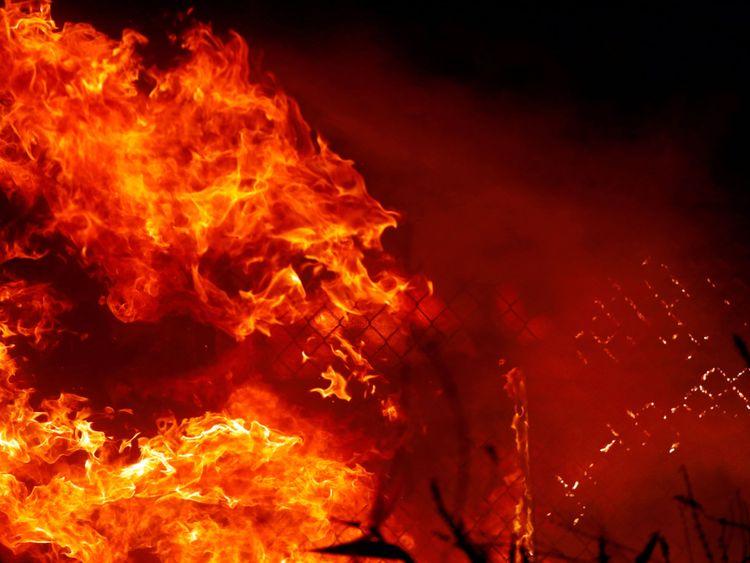 L'incendie de Woolsey a détruit des dizaines de structures et forcé des milliers d'évacuations