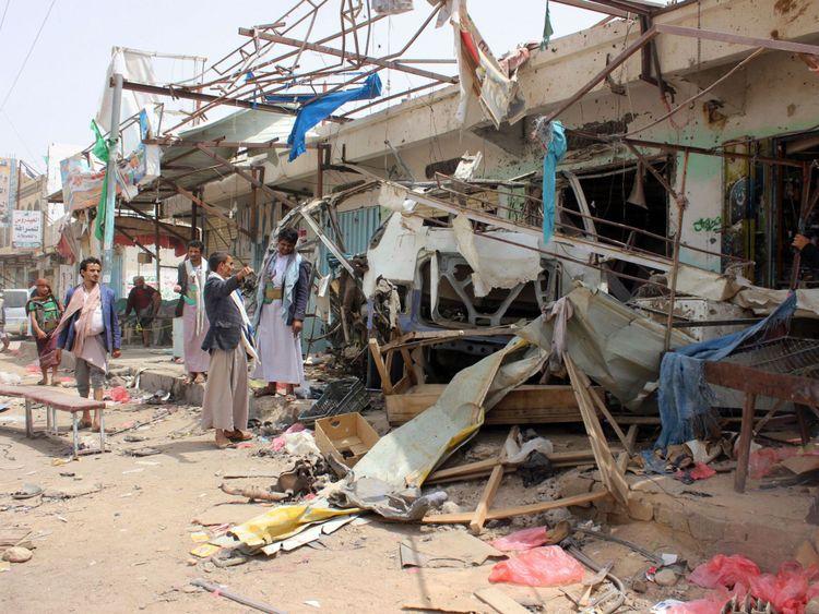 Une frappe aérienne sur un marché dans un marché tenu par les rebelles dans le nord du Yémen sous le contrôle des rebelles saoudiens a tué au moins 29 enfants en août