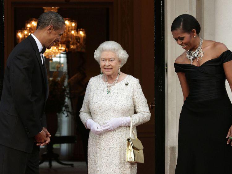 Barack et Michelle Obama avec la reine lors de sa visite d'État au Royaume-Uni