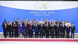 """Les participants aux dirigeants du G20 & # 39; Sommet à Buenos Aires, pose pour une photo de famille """"srcset ="""" https://e3.365dm.com/18/11/320x180/skynews-g20-argentina-family-photo_4504664.jpg?20181115153220 320w, https: // e3 .365dm.com / 18/11 / 640x380 / skynews-g20-argentina-family-photo_4504664.jpg? 20181130153220 640w, https://e3.365dm.com/18/11/736x414/skynews-g20-argentina-family- photo_4504664.jpg? 20181130153220 736w, https://e3.365dm.com/18/11/992x558/skynews-g20-argentina-family-photo_4504664.jpg?2018113015323220 992w, https://e3.365dm.com/ 11 / 1096x616 / skynews-g20-argentina-family-photo_4504664.jpg? 20181130153220 1096w, https://e3.365dm.com/18/11/1630x3000/skynews-g20-argentina-family-photo_450464664.jpg https://e3.365dm.com/18/11/1920x1080/skynews-g20-argentina-family-photo_4504664.jpg?20181130153220 1920w, https://e3.365dm.com/18/11/2048x1152/skynews-g20 -argentina-family-photo_4504664.jpg? 20181130153220 2048w """"tailles ="""" (largeur minimale: 900px) 992px, 100vw"""