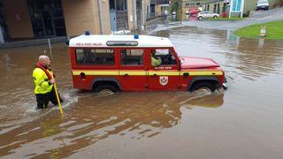 Des avertissements d'inondation ont été émis dans certaines régions du Royaume-Uni. Pic: @ dsignstudio1992