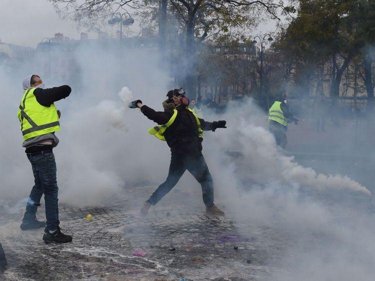 Un troisième rassemblement devrait avoir lieu à Paris plus tard samedi