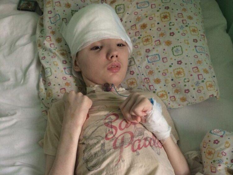 L'adolescent était dans le coma pendant neuf mois