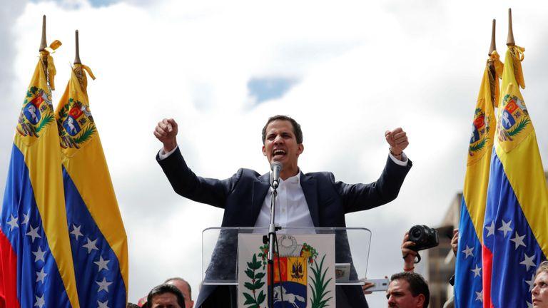 Juan Guaido a déclaré à ses partisans qu'ils auraient besoin du soutien de tous les Vénézuéliens