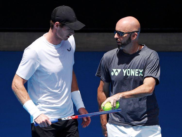 Andy Murray sur le terrain avec son entraîneur Jamie Delgado