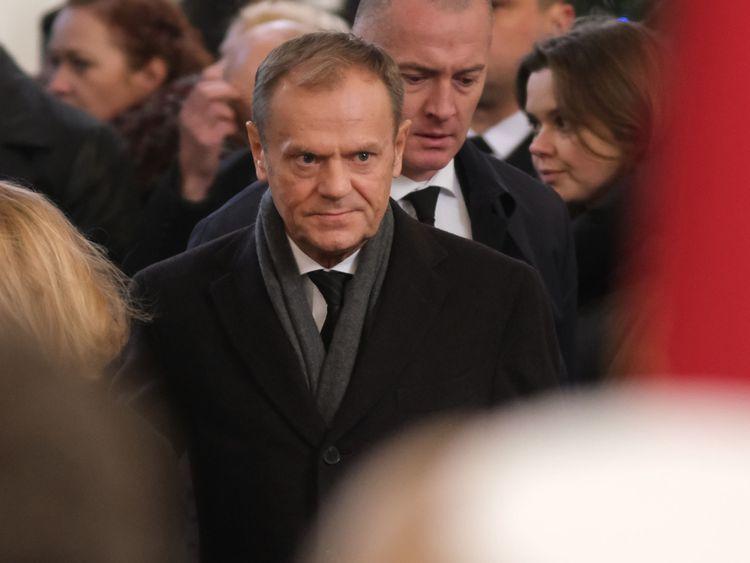 Donald Tusk était parmi ceux qui ont assisté à l'enterrement samedi