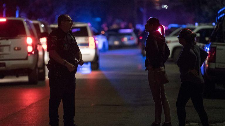 Cinq officiers ont été blessés lors de la fusillade