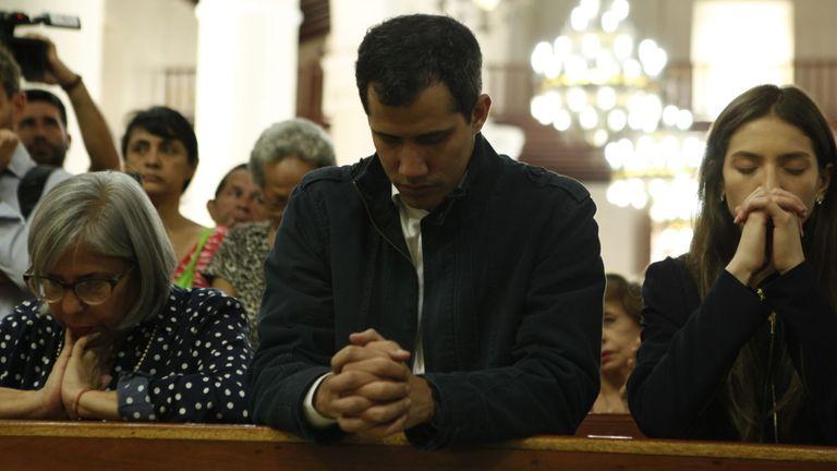 M. Guaido continue ses apparitions en public pour rassurer les partisans de l'opposition