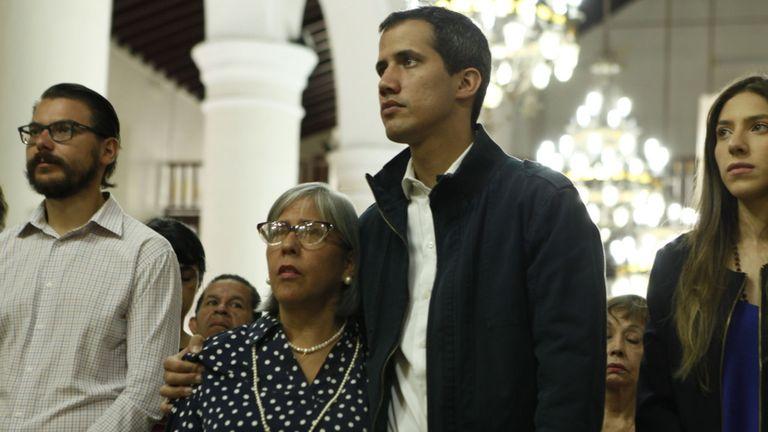 L'appui à Juan Guaido dans les quartiers de classe moyenne est presque terminé