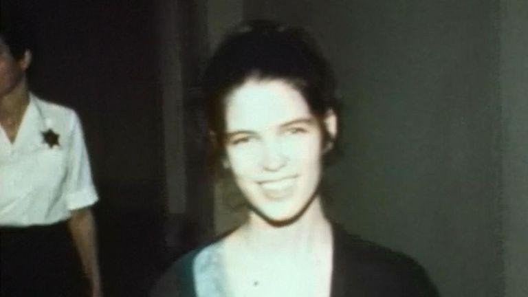 Leslie Van Houten à la cour après son arrestation en 1969