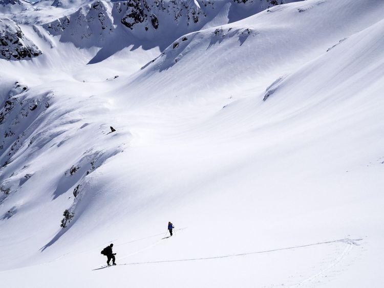 Deux snowboarders sont morts dans les montagnes de Pirin en Bulgarie. Image de fichier