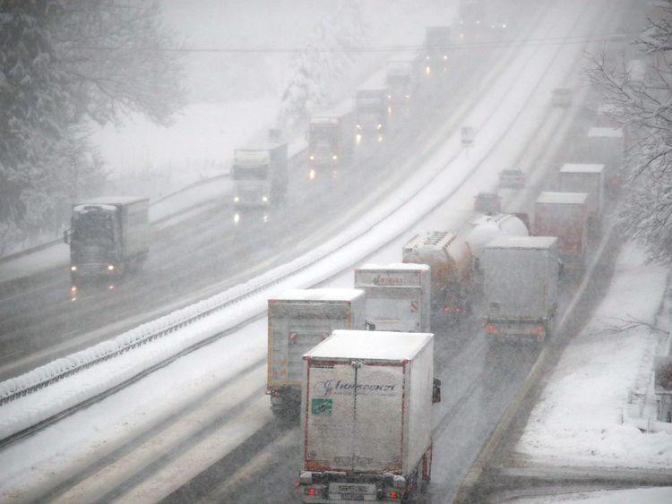 La neige a provoqué des conditions traîtres sur les routes de Salzbourg