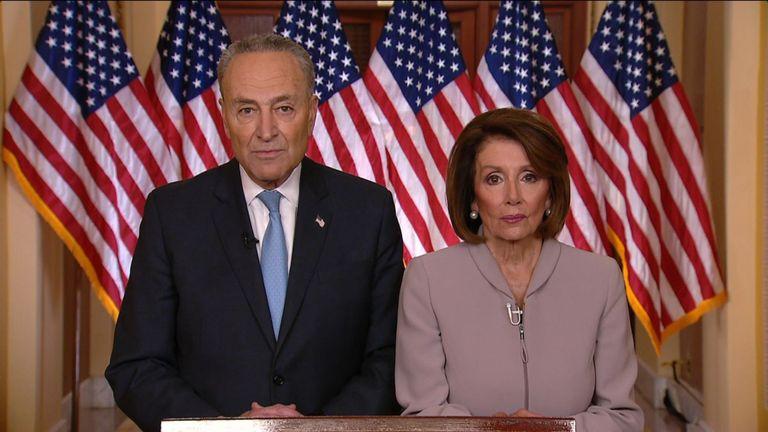 Le chef de la minorité sénatoriale, Chuck Schumer, et la présidente de la Chambre des représentants, Nancy Pelosi, répondent au discours du président sur l'immigration prononcé devant les Deomcrats