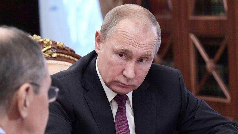 Poutine a déclaré qu'il se retirerait du traité dans les mêmes délais que les États-Unis.