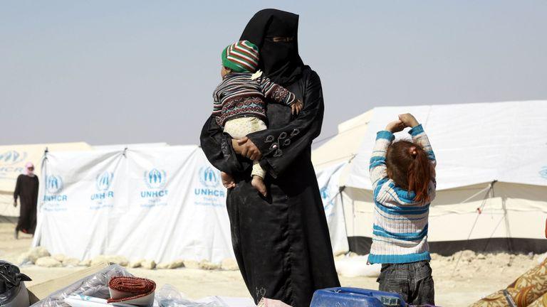 Une femme dans le camp de réfugiés al-Hawl dans le nord de la Syrie. Image de fichier