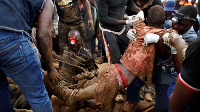 On estime que seulement huit des 70 mineurs piégés ont survécu