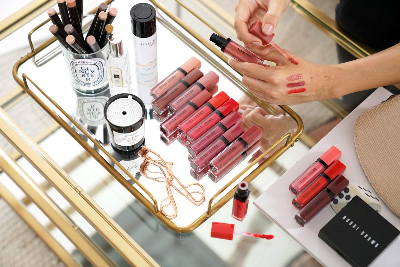 Revue de baume à lèvres liquide écrasé Bobbi Brown et échantillons   Le look book beauté