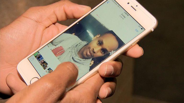 Ali Issa Ahmad a pris un selfie lors du match aux EAU