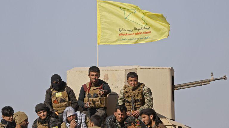 Troupes SDF près de Baghuz dans l'est de la Syrie