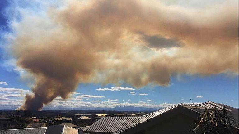 Environ 150 maisons ont été évacuées après un énorme incendie sur l'île du Sud de la Nouvelle-Zélande