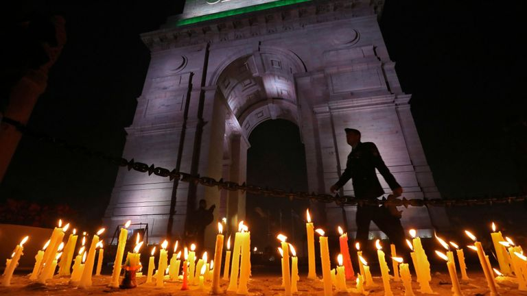 """New Delhi a promis une réponse """"révolutionnaire"""". à l'attaque"""