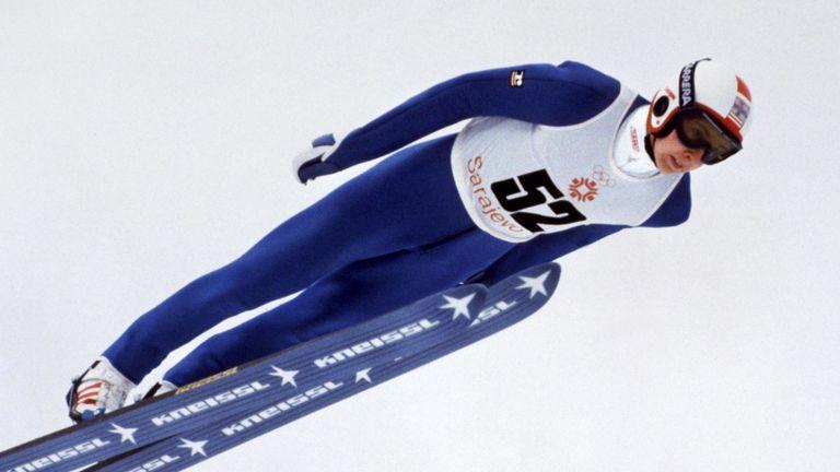 Matti Nykänen à plein débit dans le saut à ski de 90 m aux Jeux olympiques d'hiver de Sarajevo de 1984