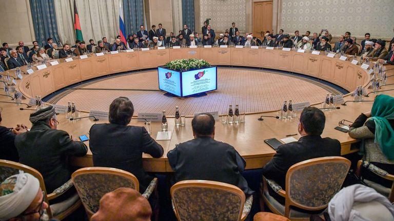 Deux jours de pourparlers entre les représentants des talibans et de l'opposition afghane commencent
