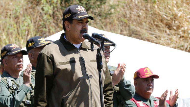 Le président Nicolas Maduro a pris la parole lors d'un exercice militaire hier