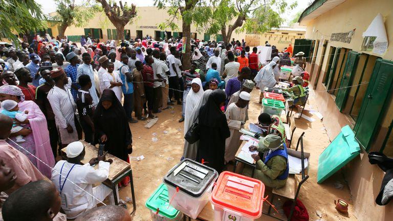 L'élection est largement perçue comme trop proche du suffrage