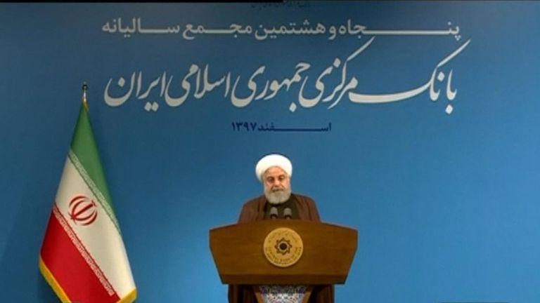 Le président Rouhani s'est adressé à un auditoire après la démission de son ministre des Affaires étrangères.