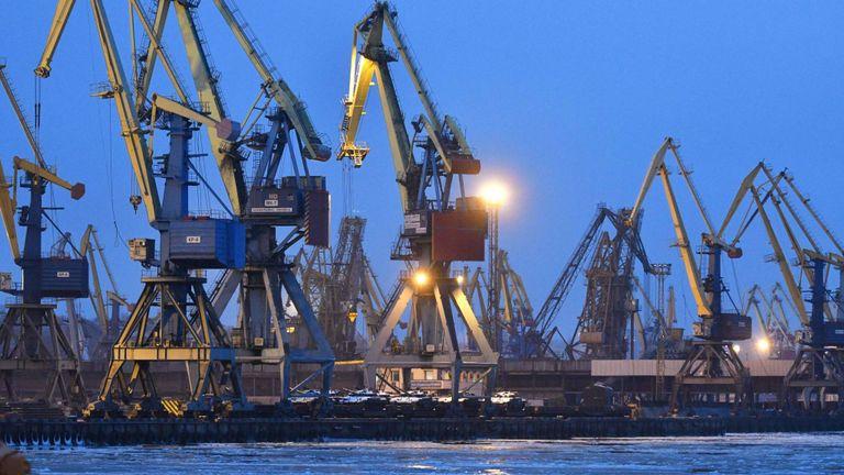 Moscou accuse l'Ukraine d'entrer illégalement dans les eaux russes