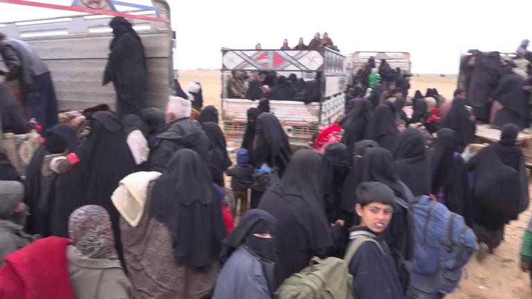 Des milliers d'évacués constituent une menace pour la sécurité
