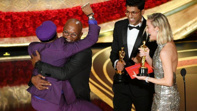 Spike Lee célèbre son prix du meilleur scénario adapté