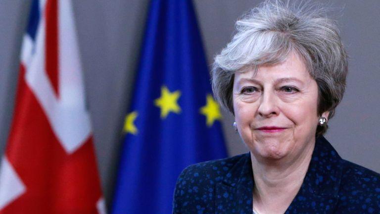 Theresa May s'adresse à la presse au siège du Conseil européen à Bruxelles