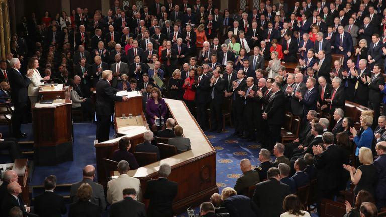 M. Trump affronte les républicains et les démocrates au Congrès