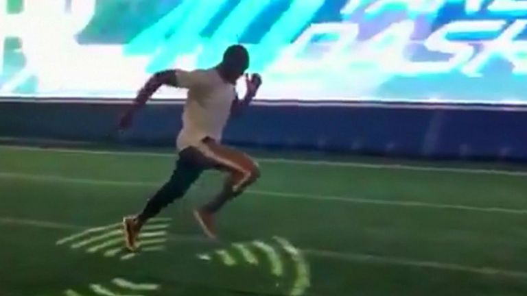 Le champion olympique Usain Bolt aurait peut-être attiré l'attention de quelques entraîneurs de la NFL quand il a égalé le record d'un lancer de 40 verges en 4.22.