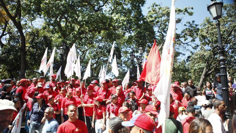 Cowds également réunis pour un rassemblement pro-Maduro