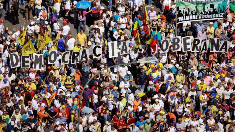 Les manifestants appellent à des élections au Venezuela
