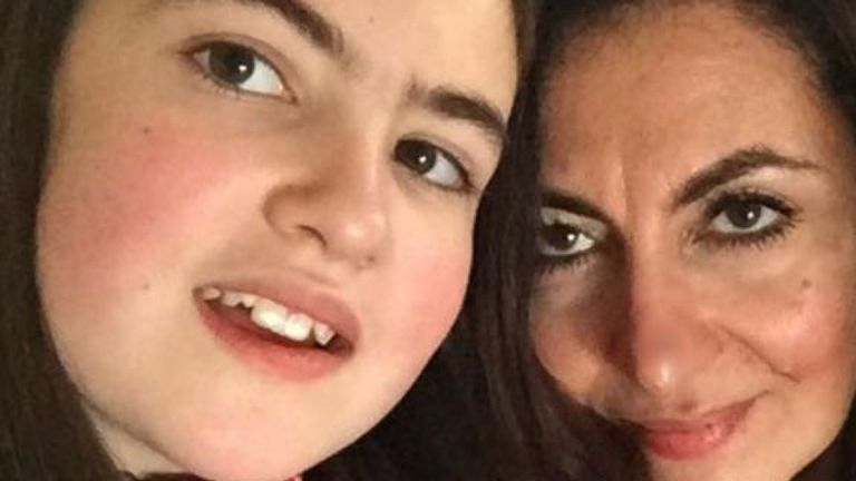 Laleh Sharavesh dit qu'elle et sa fille Paris sont très proches. Pic: Détenu à Dubaï