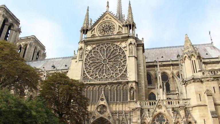 Une image de la cathédrale Notre-Dame prise avant qu'un incendie ne se déclare à l'attraction touristique emblématique de Paris