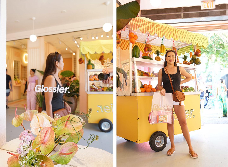 """Glossier Miami """"width ="""" 1080 """"height ="""" 792 """"srcset ="""" https://camaraderielimited.fr/wp-content/uploads/2019/04/Glossier-Miami-Sabrina-1440x1056.jpg 1440w, http: // thebeautylookbook .com / wp-content / uploads / 2019/04 / Glossier-Miami-Sabrina-800x587.jpg 800w, http://thebeautylookbook.com/wp-content/uploads/2019/04/Glossier-Miami-Sabrina-100x73. jpg 100w, http://thebeautylookbook.com/wp-content/uploads/2019/04/Glossier-Miami-Sabrina-1080x792.jpg 1080w """"tailles ="""" (largeur maximale: 1080px) 100vw, 1080px """"data-jpibfi- post-extrait = """"Glossier Miami Pop Up Store à Wynwood, ouvert pour une durée limitée jusqu'au 28 avril. Un coup d'œil à l'intérieur du joli magasin, des pioches et des échantillons. """"Data-jpibfi-post-url ="""" http://thebeautylookbook.com/2019/04/glossier-miami-pop-up-shop.html """"data-jpibfi -post-title = """"Boutique éphémère de Miami"""" data-jpibfi-src = """"https://camaraderielimited.fr/wp-content/uploads/2019/04/Glossier-Miami-Sabrina-1440x1056.jpg"""" /></p> <p><img class="""