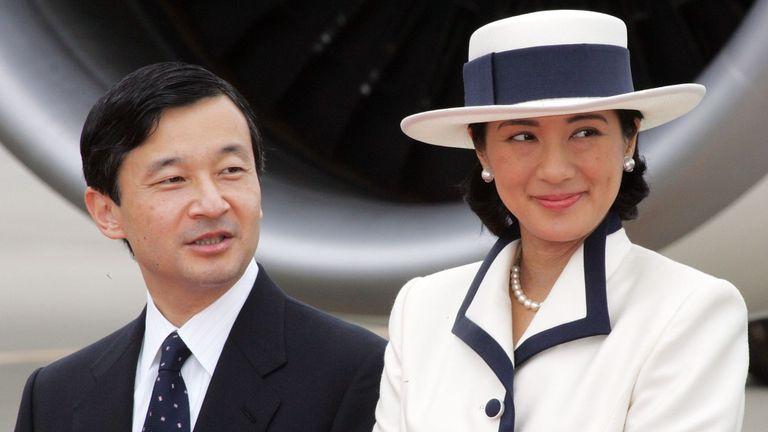 Le prince héritier Naruhito (à gauche) avec son épouse la princesse héritière Masako