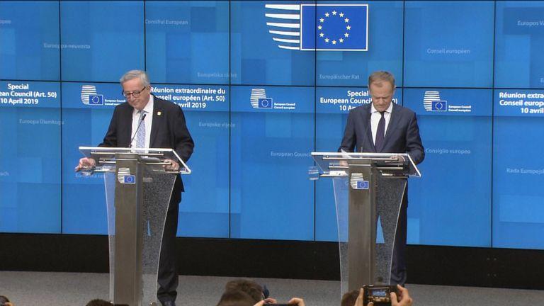 Donald Tusk et Jean-Claude Juncker s'expriment après que les dirigeants européens se soient mis d'accord pour retarder le Brexit