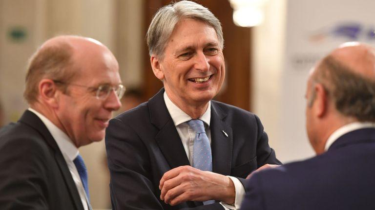 Philip Hammond a déclaré ne pas avoir de lignes rouges pour les négociations avec les travaillistes