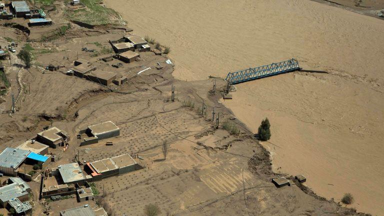 Poldokhtar dans la province du Lorestan inondée depuis plusieurs jours