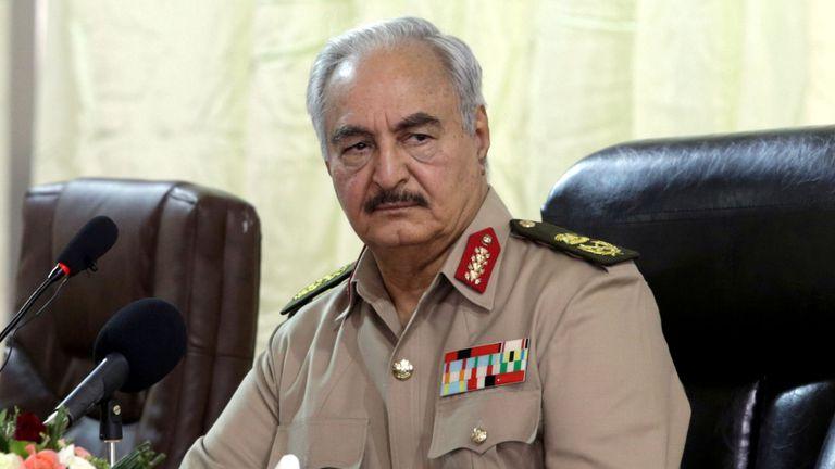 Khalifa Haftar dirige l'armée nationale libyenne