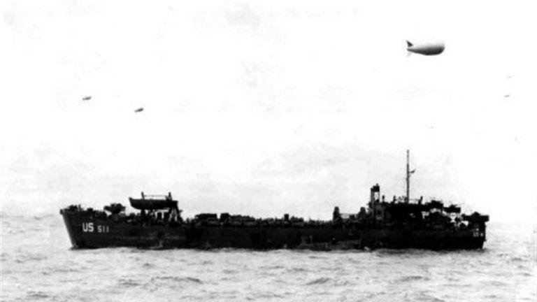 LST-511, une des péniches de débarquement rattrapée par l'action ennemie au cours de l'exercice Tiger. Pic: Wikicommons