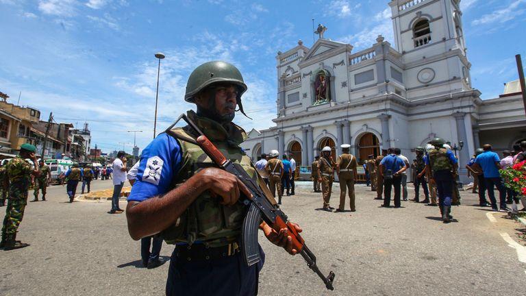 Les forces de sécurité sri-lankaises sécurisent la zone entourant le sanctuaire de St. Anthony