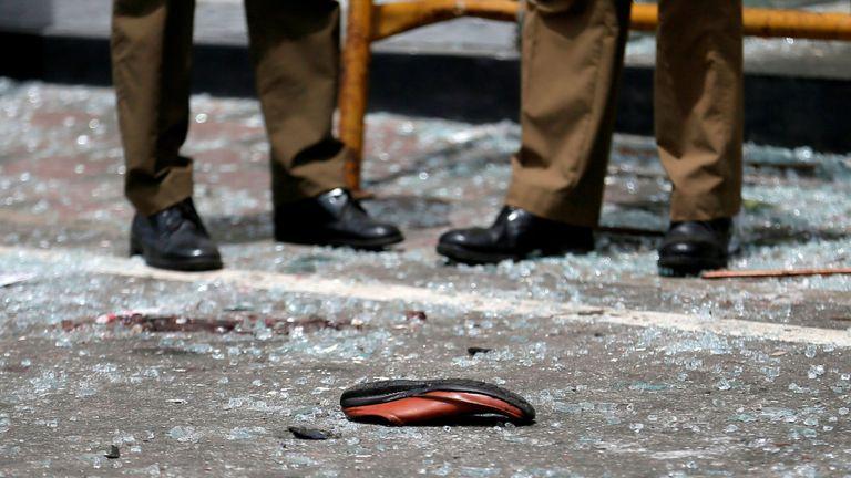 Une chaussure de victime devant le sanctuaire St Anthony de Colombo