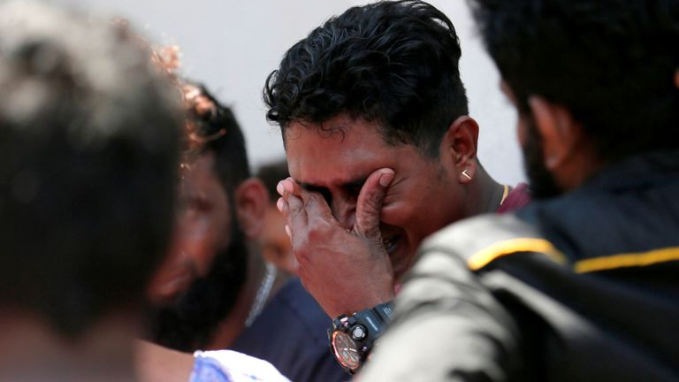 Le parent d'une victime au sanctuaire St Anthony de Colombo